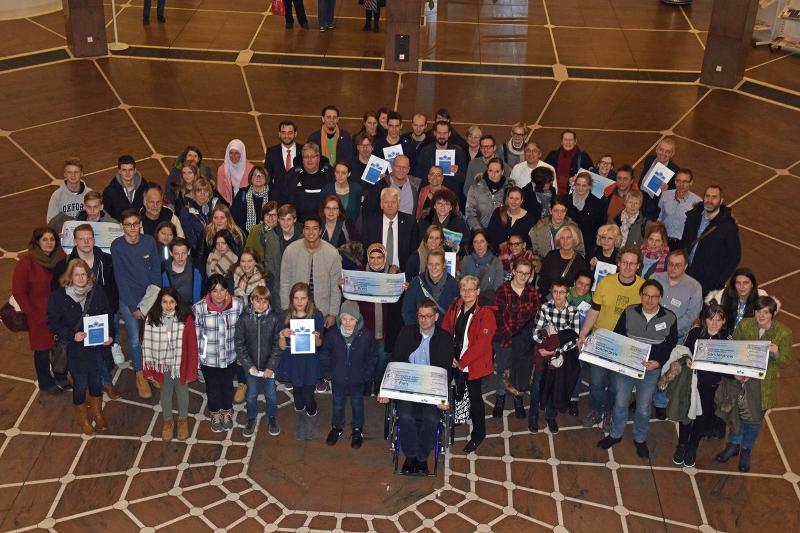 Gruppenfoto: Agenda-Siegel-Preisträger